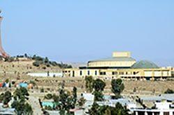 klein-11_afrika_aethiopien_historische_rundreise_mekele_monument.jpg
