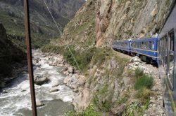 peru_hoehepunkte_machu_picchu_und_titicacasee_train_to_machu_picchu2.jpg