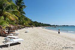 tag_12_ngapali_beach